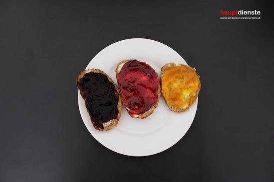 Schwarz, Rot, Brot.